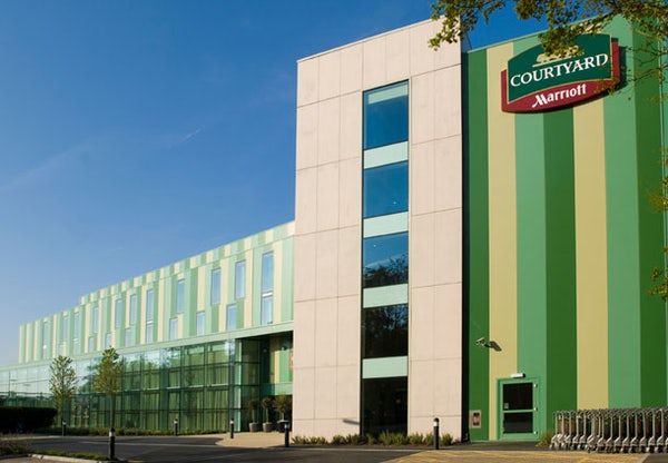 COURTYARD BY MARRIOTT LONDON GATWICK AIRPORT header image