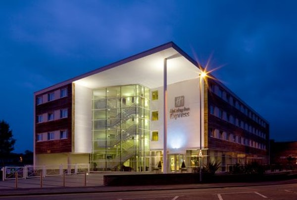 HOLIDAY INN EXPRESS CHESTER RACECOURSE header image