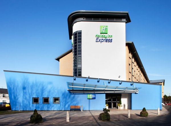 HOLIDAY INN EXPRESS GLASGOW AIRPORT header image
