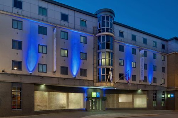 HOLIDAY INN EXPRESS LONDON CITY header image