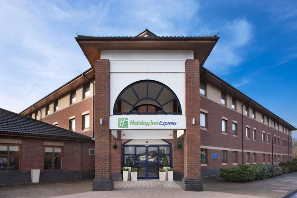 HOLIDAY INN EXPRESS WARWICK header image