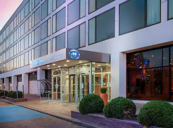 HILTON LONDON GATWICK AIRPORT header image
