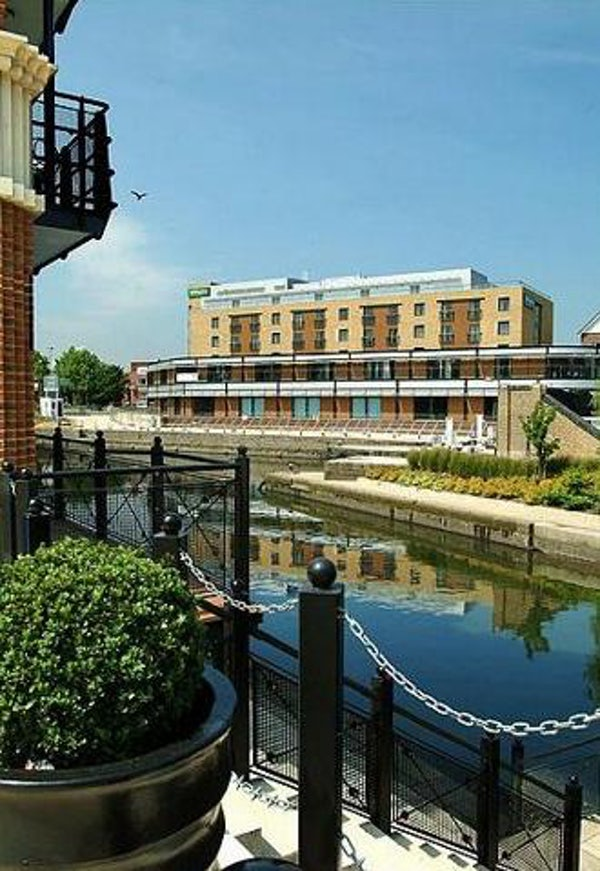 HOLIDAY INN LONDON BRENTFORD LOCK header image
