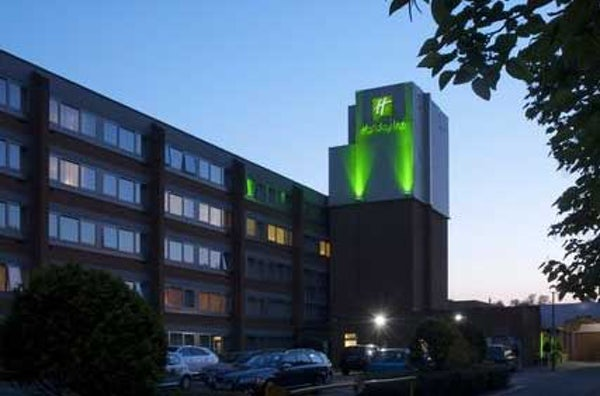 HOLIDAY INN GATWICK AIRPORT header image