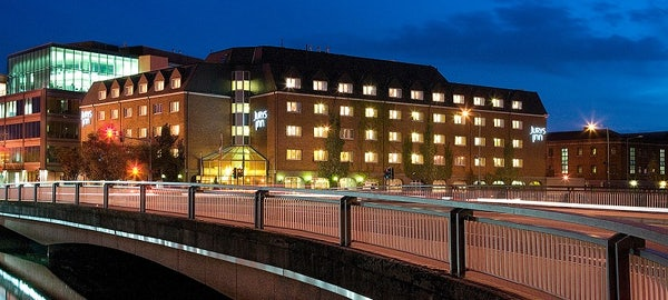 JURYS INN CORK header image