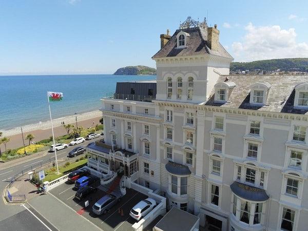 ST GEORGE'S HOTEL header image